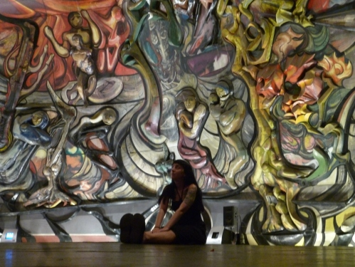Lost in the crazy artwork of Siqueiros